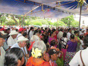 PERSONAS CONGREGADAS PARTICIPARON ACTIVAMENTE