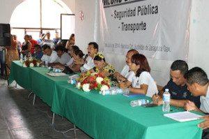AYUNTAMIENTO JUCHITECO, FORZADO POR LA PRESION PUBLICA, REALIZA EJERCICIOS CON CIUDADANOS