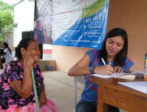 Brindan brigada Tannos y Chávez atención médica gratuita en Chimalapas (2)