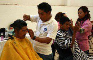 Apoya brigada Tannos y Chávez a cientos de personas en El Espinal (1)