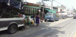 Difícil reubicar a comerciantes que se apoderan de las calles (1)