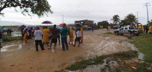 Bloquean habitantes de Boca del Río el basurero Municipal (1)