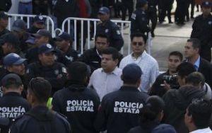 REPRESION A POLICIAS ESTATALES