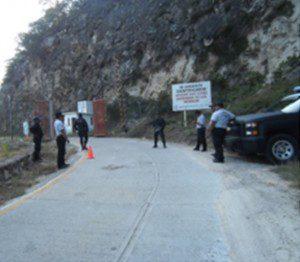 """Realizan simulacro de atentado en la Presa """"Benito Juárez"""" de Jalapa del Marques."""