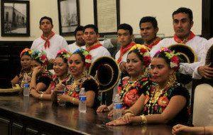 Delegación de Tehuantepec abrirá la Guelaguetza 2015 (3)