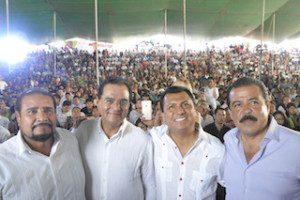 Samuel Gurrión con Senadores de la República